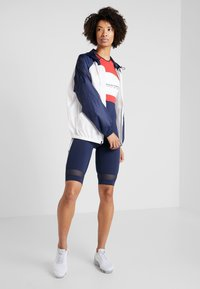 Tommy Sport - BLOCKED WITH LOGO - Windjack - white - 1