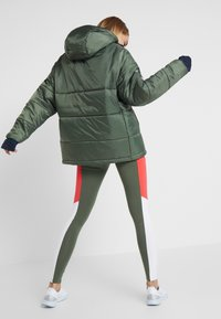 Tommy Sport - BLOCK INSULATION JACKET - Vinterjakke - green - 2
