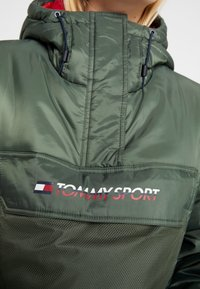 Tommy Sport - BLOCK INSULATION JACKET - Vinterjakke - green - 8