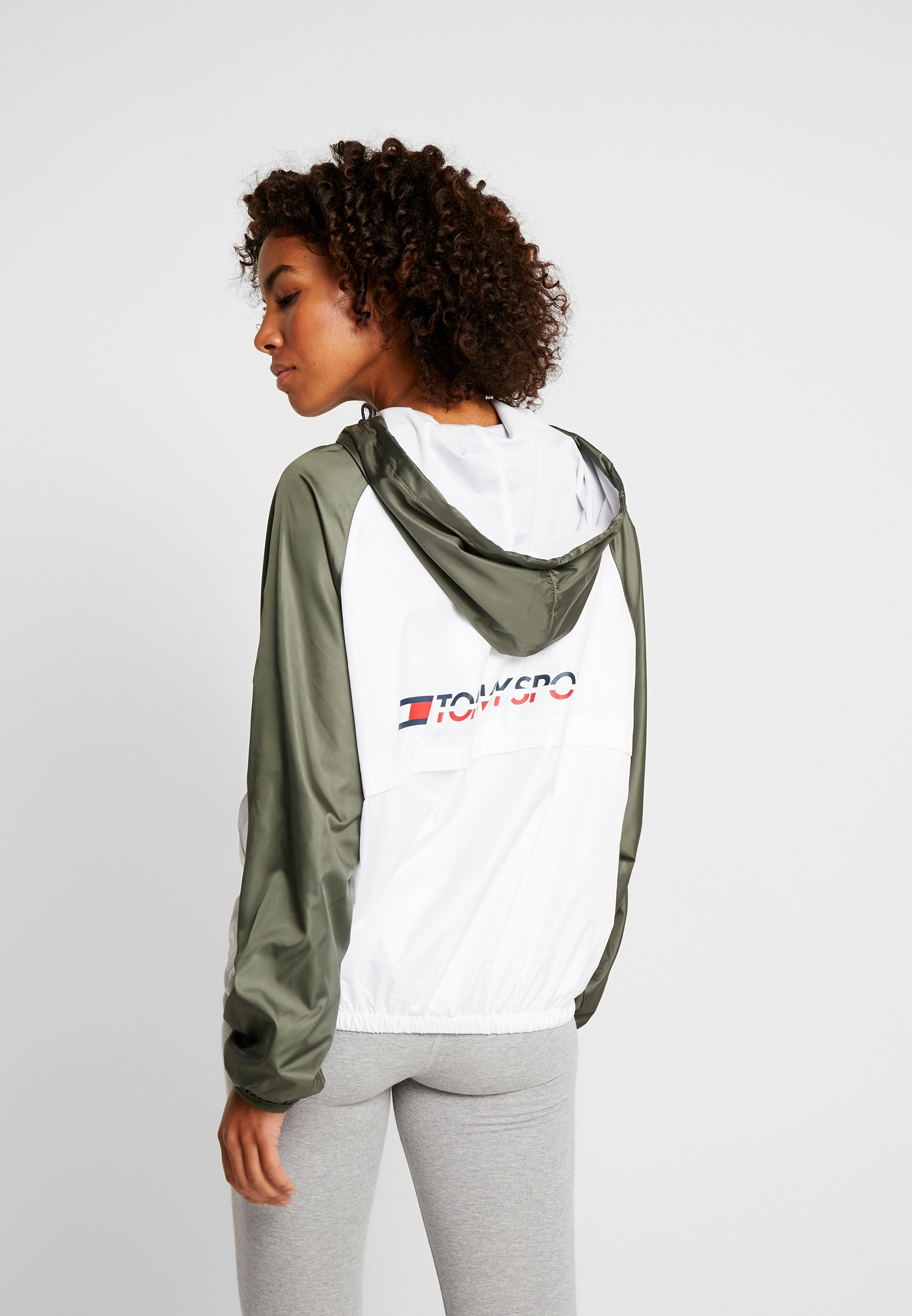 Tommy Sport LINED WITH BACK LOGO - Cortaviento - white
