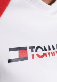 Tommy Sport - CREW COLORBLOCK LOGO - Sweatshirt - white - 5