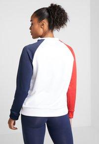 Tommy Sport - CREW COLORBLOCK LOGO - Sweatshirt - white - 2