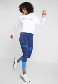 Tommy Sport - CROPPED HOODY - Sweat à capuche - white - 1
