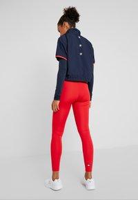 Tommy Sport - BLOCKED STARS ZIP SHELL - T-shirt à manches longues - blue - 2