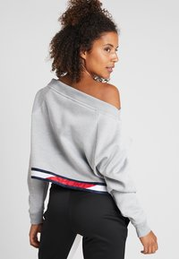 Tommy Sport - CROP WITH TAPE - Forro polar - grey - 2
