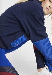 Tommy Sport - BLOCKED POLAR MIX HOODIE - Hoodie - blue - 4