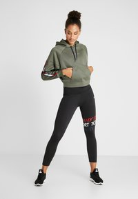 Tommy Sport - HOODY CROPPED WITH TAPE - Hoodie - green - 1