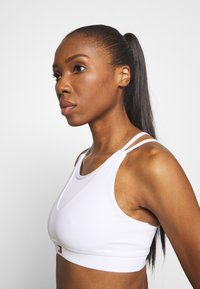 Tommy Sport - LOW SUPPORT BRA - Sport BH - white - 3
