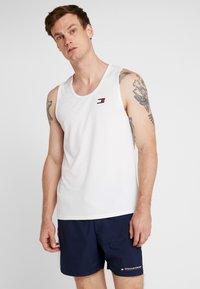 Tommy Sport - TANK BACK LOGO - Funkční triko - white - 2