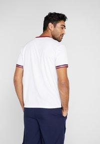 Tommy Sport - CLASSICS TEE - T-shirt print - white - 2