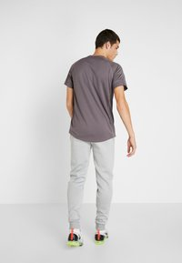Tommy Sport - JOGGER LOGO - Trainingsbroek - grey - 2