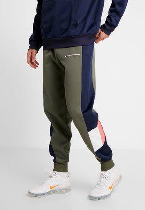 BLOCKED PANT - Pantalon de survêtement - beetle