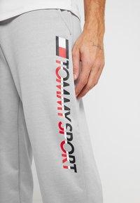 Tommy Sport - LOGO - Tracksuit bottoms - grey heather - 3