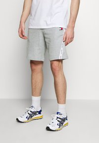Tommy Sport - TAPE SHORT - Sports shorts - grey - 0
