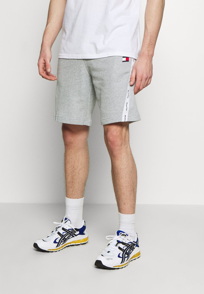 Tommy Sport - TAPE SHORT - Sports shorts - grey
