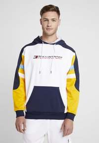 Tommy Sport - RETRO BLOCK HOODY LOGO - Sweat à capuche - gold fusion - 0