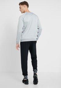Tommy Sport - TAPE CREW LOGO - Sweatshirt - grey heather - 2