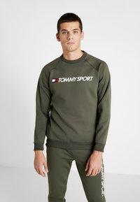Tommy Sport - LOGO CREW NECK - Sweatshirt - green - 0
