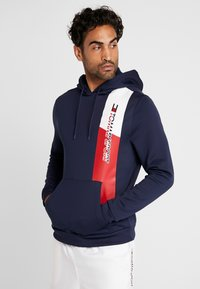 Tommy Sport - GRAPHIC FLAG  - Jersey con capucha - sport navy - 0