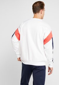 Tommy Sport - BLOCK CREW - Sweatshirt - classic white - 2