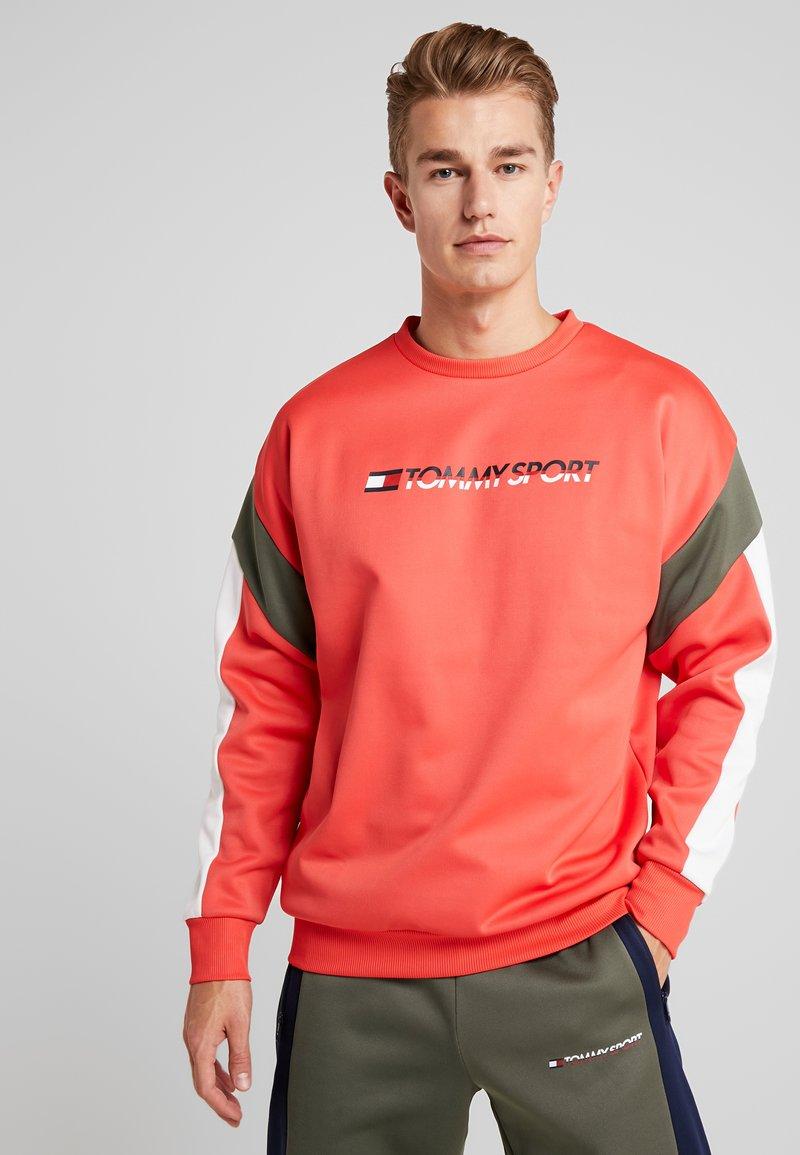 Tommy Sport - BLOCK CREW - Sweatshirt - hibiscus