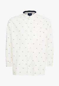 TOM TAILOR MEN PLUS - CONVERSATIONAL - Overhemd - white/navy - 4