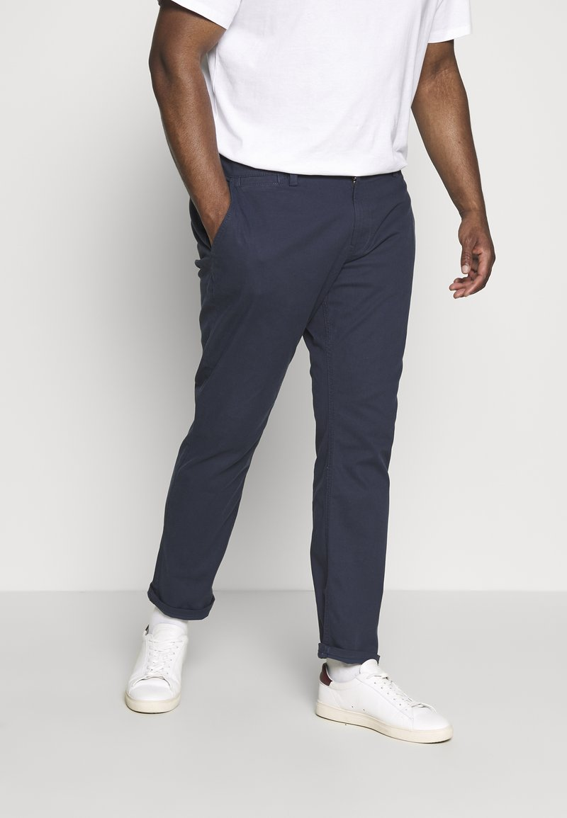 TOM TAILOR MEN PLUS - WASHED STRUCTURE CHINO - Broek - navy yarn dye structure