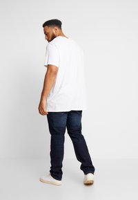 TOM TAILOR MEN PLUS - 5 POCKET - Jeans straight leg - dark stone wash denim/blue - 2
