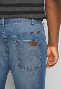 TOM TAILOR MEN PLUS - Slim fit jeans - light stone - 3