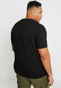 TOM TAILOR MEN PLUS - CREW NECK 2 PACK - Basic T-shirt - black - 3