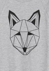 Tobias & The Bear - BABY JUST CALL ME FOX LONG ROMPER - Pyjamaser - grey marl - 4