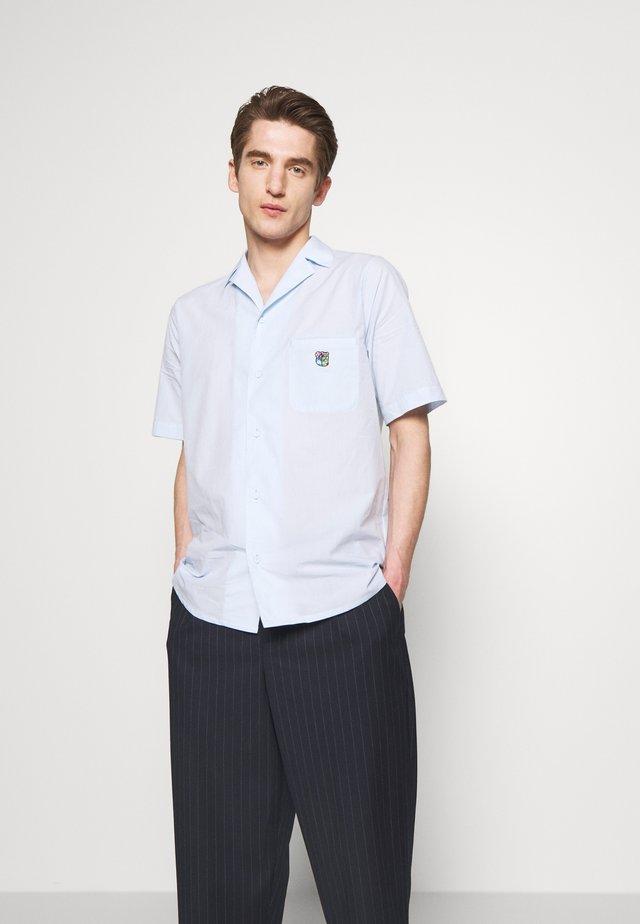 BOWLER - Skjorter - light blue