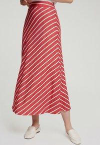 Touché Privé - A-line skirt - red - 3