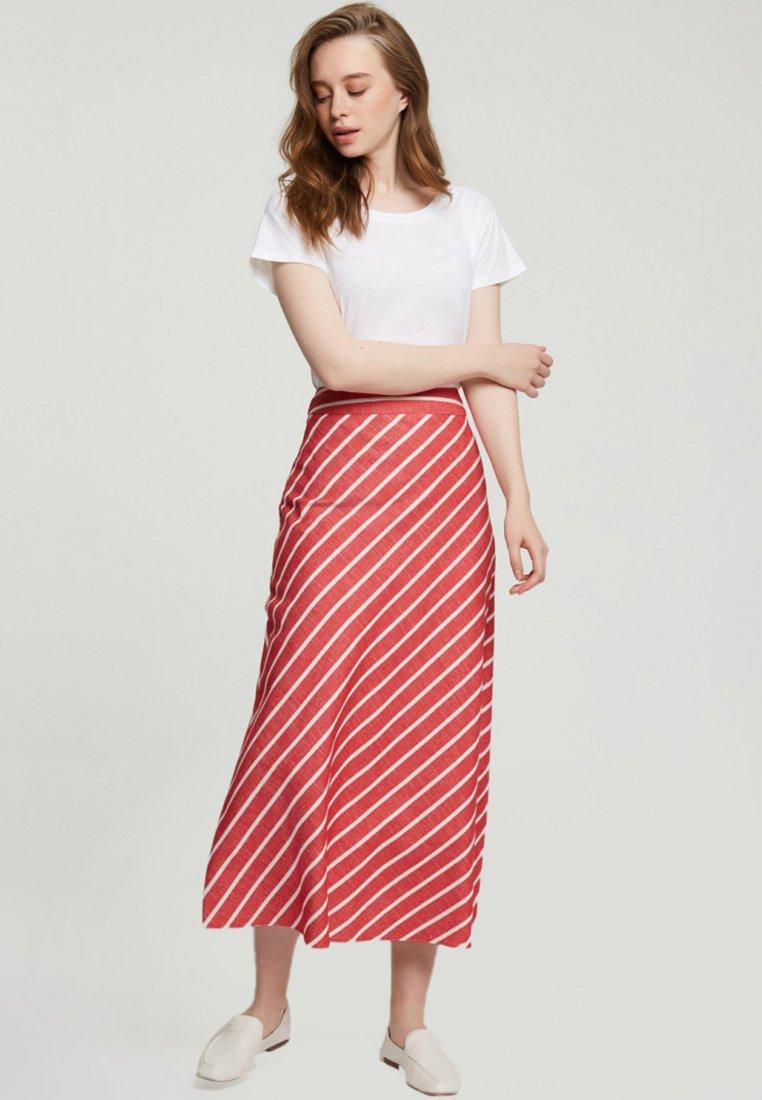 Touché Privé - A-line skirt - red