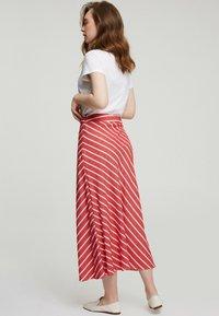 Touché Privé - A-line skirt - red - 2