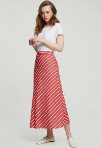 Touché Privé - A-line skirt - red - 1