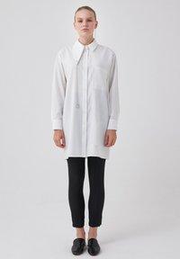 Touché Privé - ORGANZA - Button-down blouse - ecru - 1