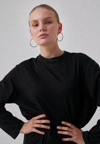 Touché Privé - Long sleeved top - black - 6