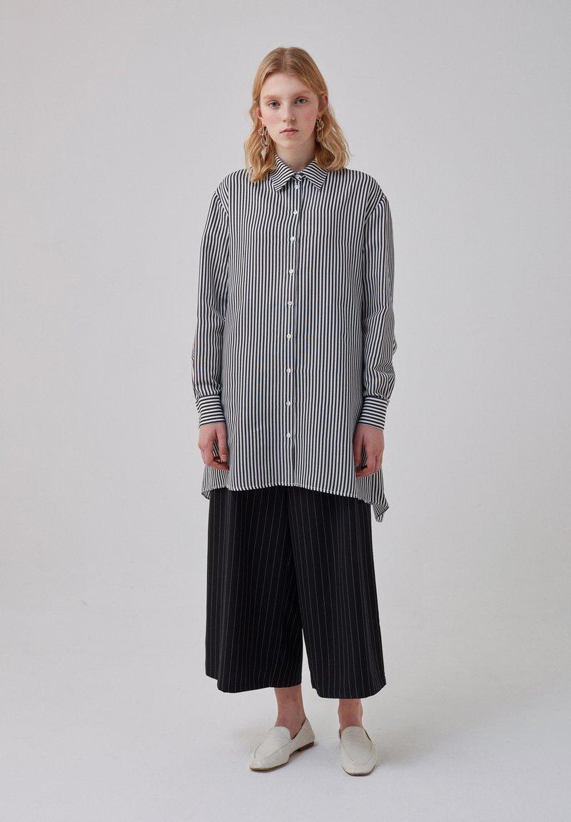 Touché Privé - Button-down blouse - black