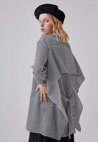 Touché Privé - Button-down blouse - black - 6