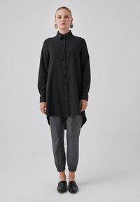 Touché Privé - Button-down blouse - black - 1