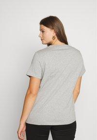 Tommy Hilfiger Curve - TEE CURVE - T-shirt print - light grey heather - 2