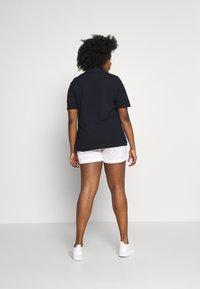 Tommy Hilfiger Curve - ESSENTIAL - Print T-shirt - desert sky - 2