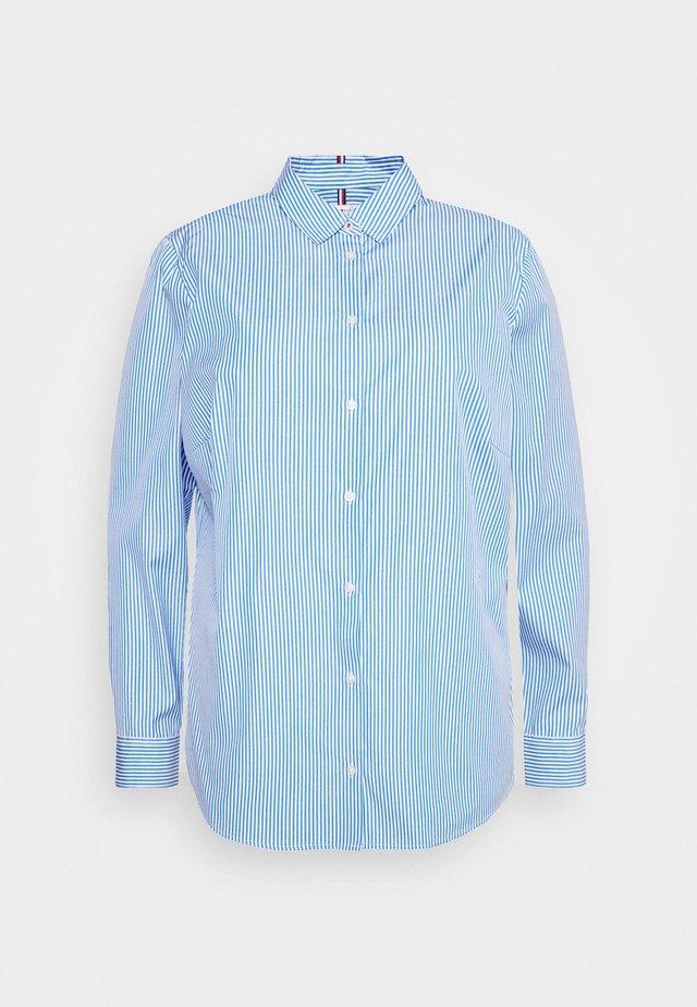 ESSENTIAL SHIRT CURVE - Skjorta - white/copenhagen blue