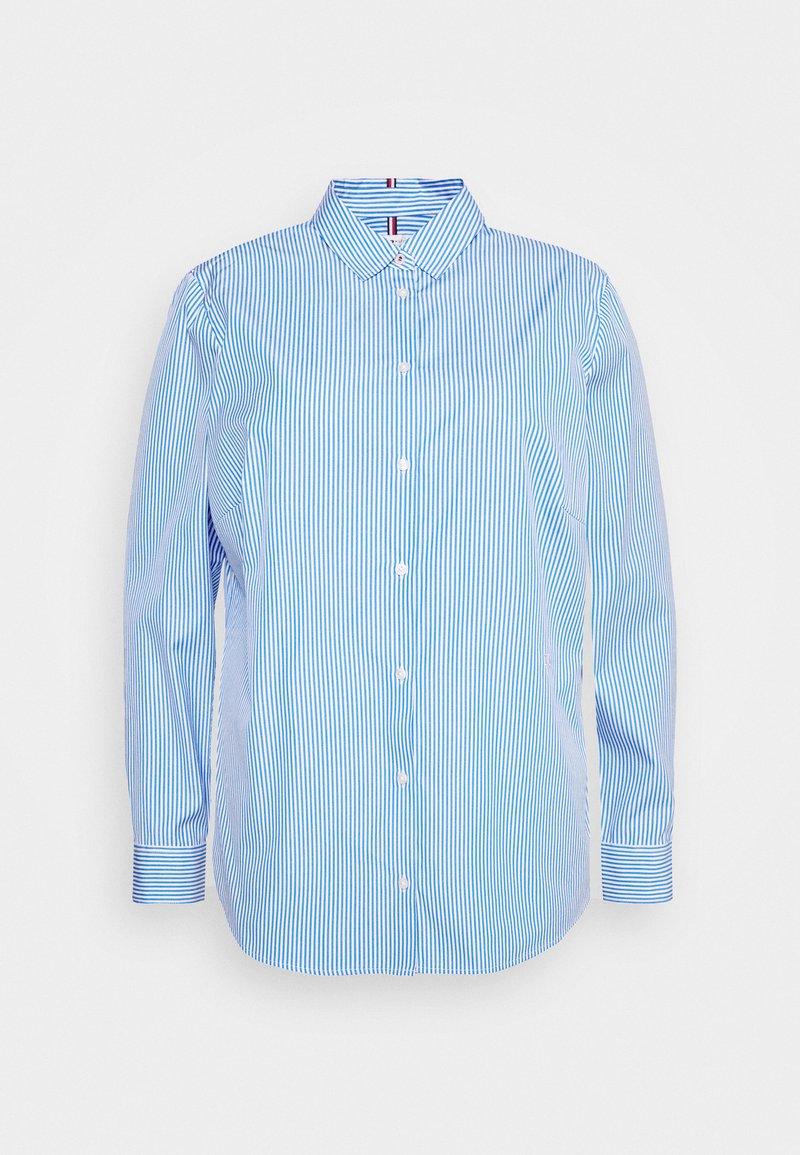 Tommy Hilfiger Curve - ESSENTIAL SHIRT CURVE - Button-down blouse - white/copenhagen blue