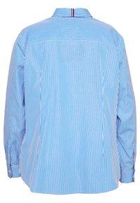 Tommy Hilfiger Curve - ESSENTIAL SHIRT CURVE - Button-down blouse - white/copenhagen blue - 1
