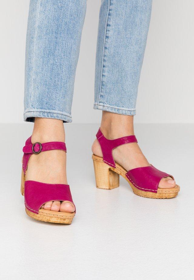 AMELIA - Clogs - magenta