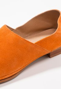 Ten Points - NEW TOULOUSE - Loafers - orange - 2
