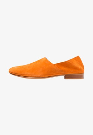 NEW TOULOUSE - Loaferit/pistokkaat - orange