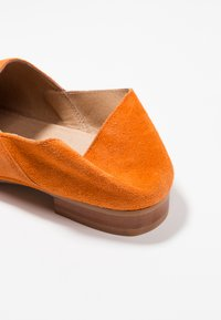 Ten Points - NEW TOULOUSE - Loafers - orange - 7